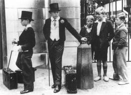 Toffs and Toughs, fotografía de Jimmy Sime, 1937