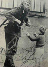 Muro de Berlin y niño