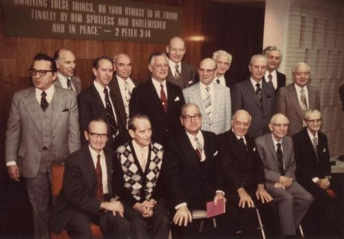 Cuerpo gobernante 1975